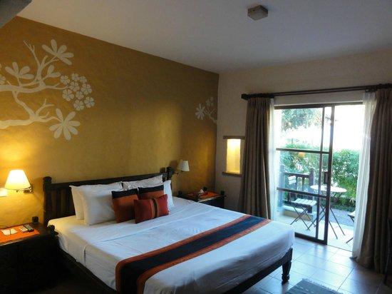 Temple Tree Resort & Spa: The bedroom