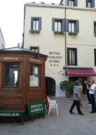 Hotel Violino d'Oro: Hotel Exterior.