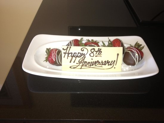 The Ritz-Carlton, Grand Cayman: Anniversary Treat from the Ritz