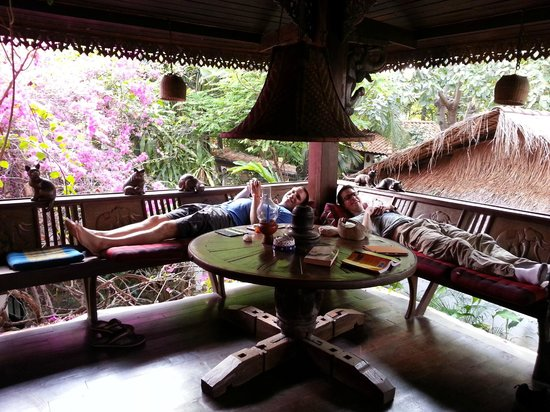 Secret Garden Chiang Mai : Great second story porch - we spent a lot of time relaxing here