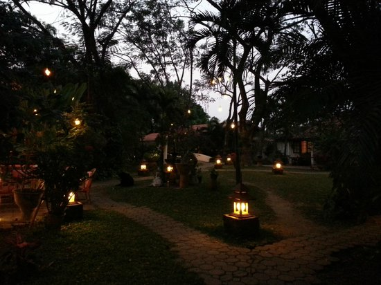 Secret Garden Chiang Mai : Evening lights