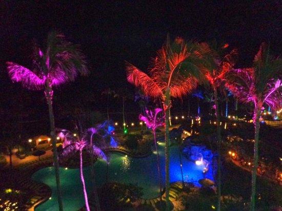 Hyatt Regency Maui Resort and Spa : View from room at night