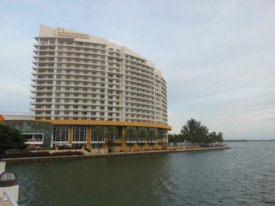 Mandarin Oriental, Miami: front