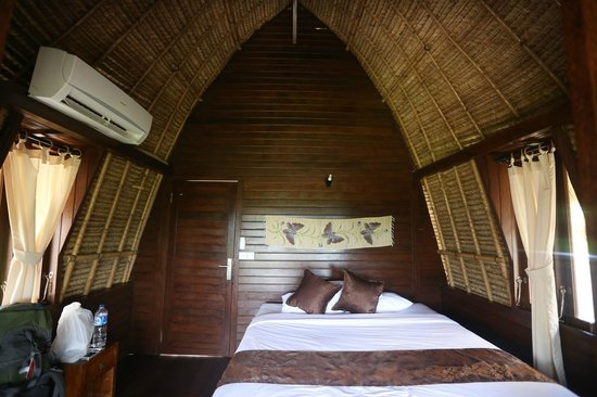 Abian Huts Lembongan: Abian Huts - Dream Beach - Bali - The Travel Glow - our room