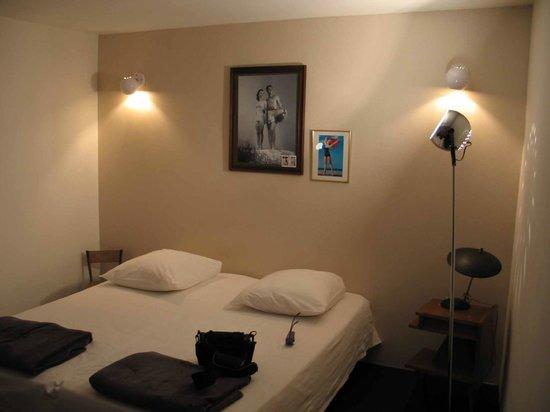 Arles Suite Home: bedroom