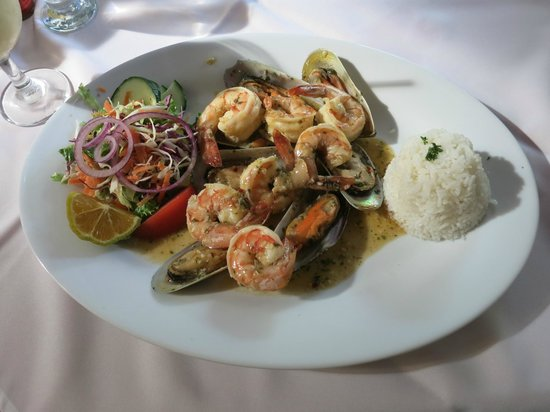 Restaurante Casa Esmeralda : Mussels and Shrimp in Emerald Sauce