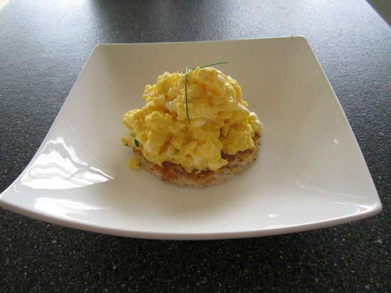 Be My Guest : Fresh scrambled eggs for breakfast