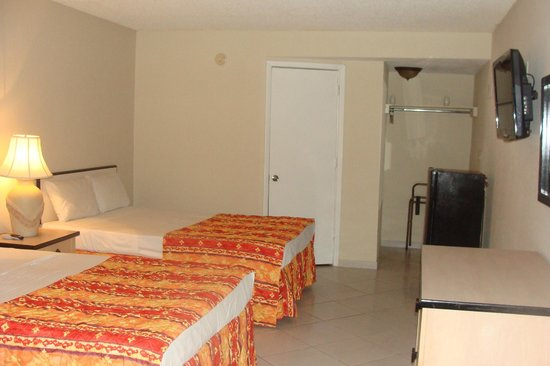 Sevilla Inn: Standard Two  Beds