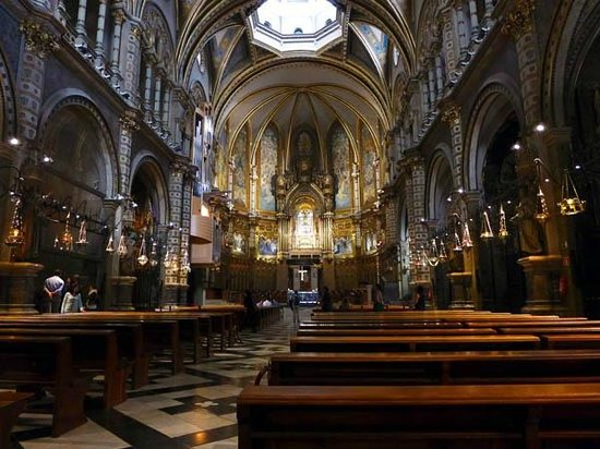 Montserrat Monastery : Inside of Cathedral