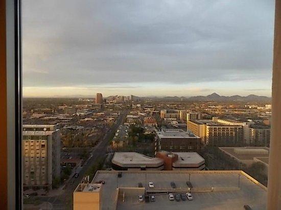 Sheraton Grand Phoenix: daytime view looking north