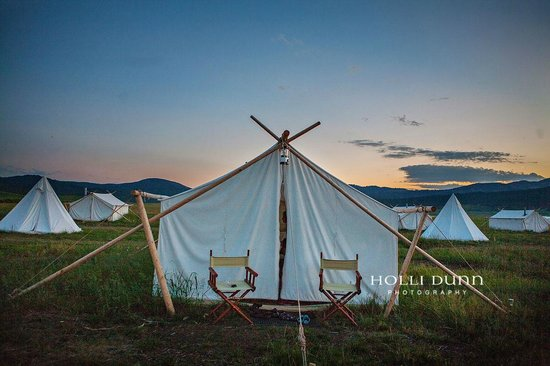 Yellowstone Under Canvas: our tent
