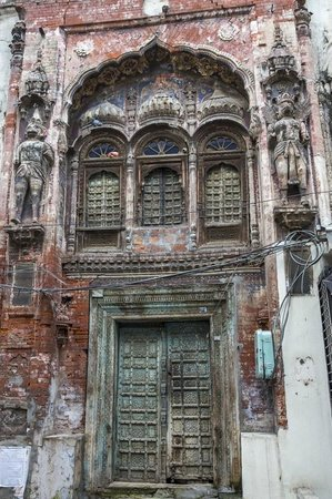 Davinder Singh's Amritsar Heritage Walk: heritage in neglect, current a small Krishna Temple