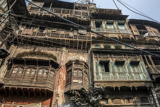 Davinder Singh's Amritsar Heritage Walk: Buildings Outside Fort Alhuwalia