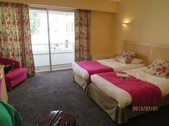 Massenet Hotel: ツインルーム