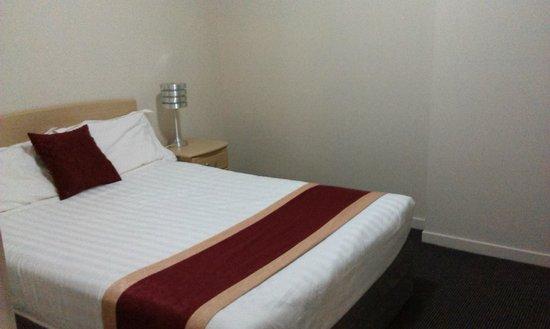 Sudima Hotel Hamilton: Two bedroom unit - bedroom