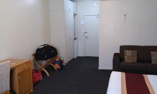 Sudima Hotel Hamilton: Studio unit looking to entry