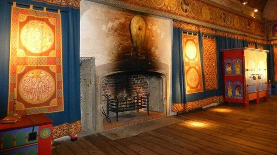 Dover Castle : old fire place