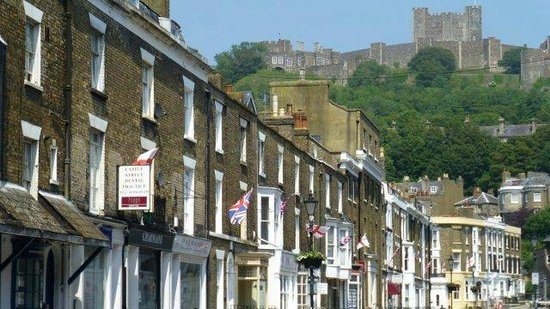 Dover Castle : the castle, from town