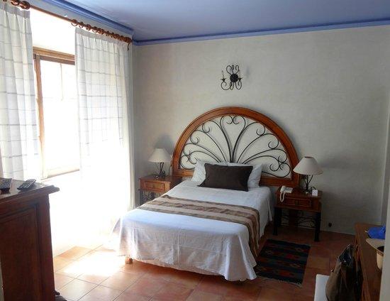 Hotel Trebol : Nice bed
