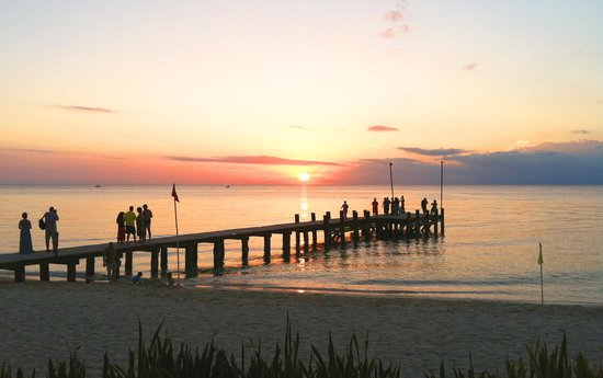 Occidental Cozumel: TIP:  walk down to the pier at sunset!