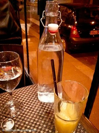 cafe Roussillon : Water