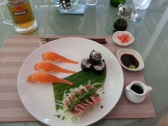 Minami: Sushi et sashimi.