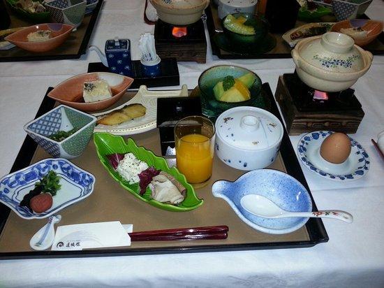 Dogokan: 朝食  かなりボリューミー