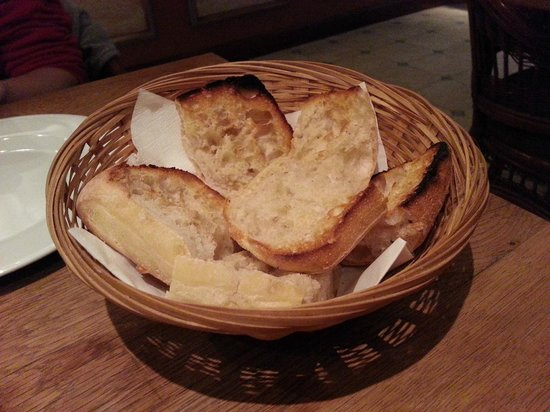 Fouberts: Complimentary bread