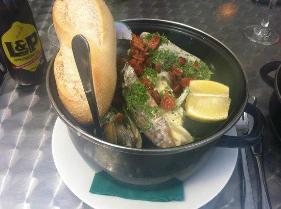 Coromandel Mussell Kitchen : Kopake Mussel Pot