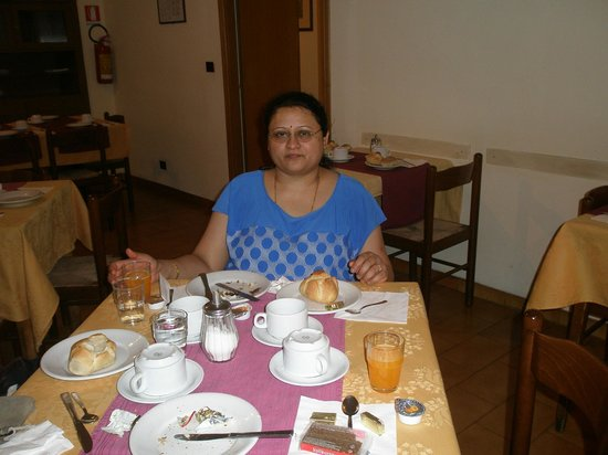 Taormina Hotel: at breakfast on the morning of 15th Feb