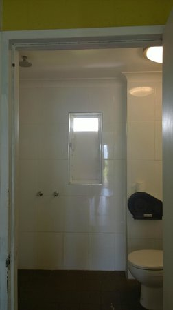 Cairns Beach House: Bathroom