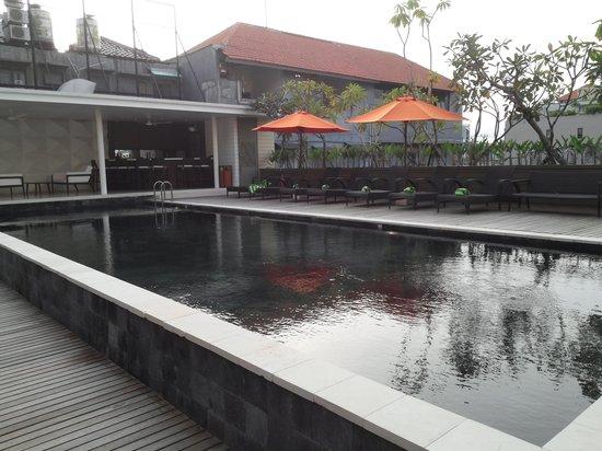 Swiss-Belhotel Rainforest: Swimming Pool