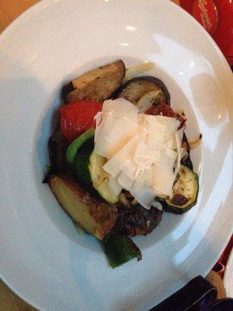 U Mlynare: Овощи на гриле с пармезаном.