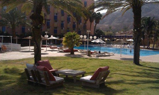 Prima Music: сауна рядом с бассейном.