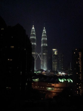Pullman Kuala Lumpur City Centre Hotel And Residences: night view