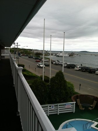 Bradford Inn & Suites: Harbor view room! Great view even on a cloudy day