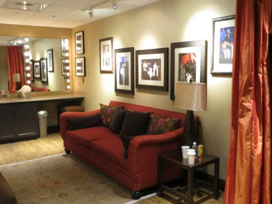 The Grand Ole Opry: Behind the scenes dressing room.