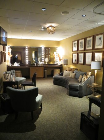 The Grand Ole Opry: Another one of the 18 dressing rooms.