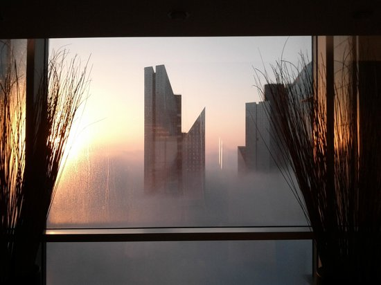Shangri-La Hotel, Dubai: Sonnenaufgang 33. Stock