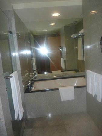 Shangri-La Hotel, Dubai: 3324