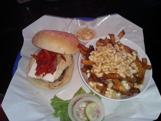 Crave Restaurant & Lounge: Med burger and poutine fries, fantastic, fun tasty