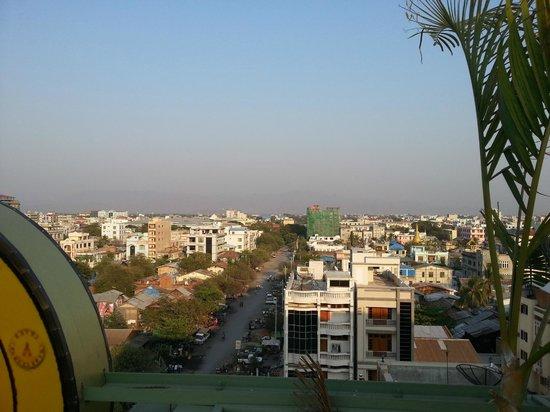 Hotel Yadanarbon : Aussicht von der Dachterrasse
