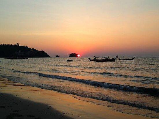 Nai Yang Beach: Sunset