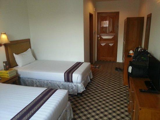 Razagyo Hotel : Zimmer, Innenansicht