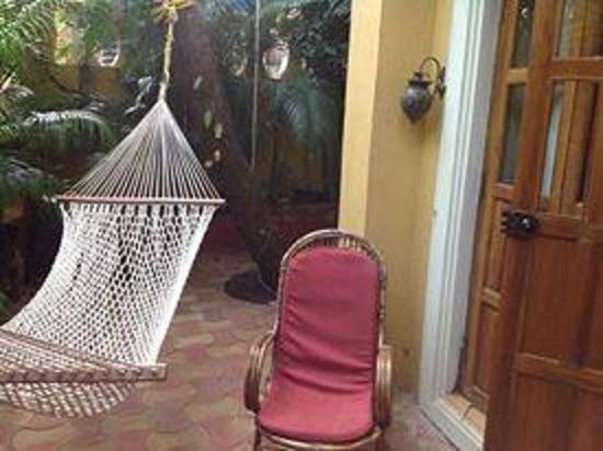 Bougainvillea Guest House Goa: Quiet hammocks to laze around