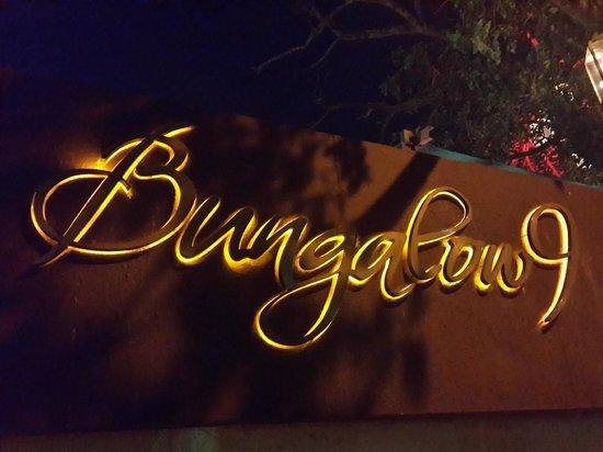 Bungalow 9: Bunglow 9