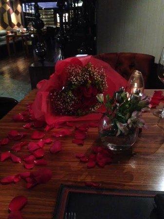 Prime Steakhouse : Flowers before dinner