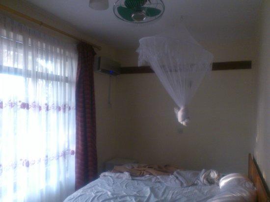 Kilimanjaro Crane Hotels & Safaris: A room