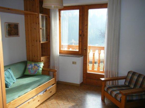 Ciasa Do Pare Appartamenti: soggiorno dell'appartamento Bocche