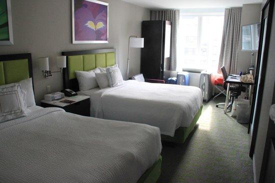 SpringHill Suites New York Midtown Manhattan/Fifth Avenue : Stanza con doppio Queen Size